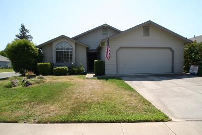 Elk Grove, Galt Single Family Home For Sale: 674 Carr Way