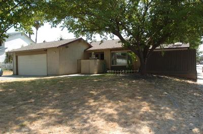 Single Family Home For Sale: 5624 Andrea