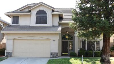 Elk Grove, Galt Single Family Home For Sale: 8576 Spring Azure Way