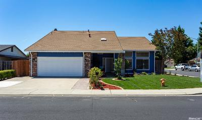 Manteca Single Family Home For Sale: 1294 Wimbledon Way