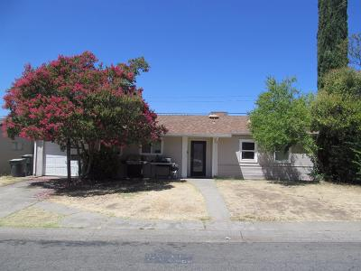 Single Family Home For Sale: 3205 Berkshire Way