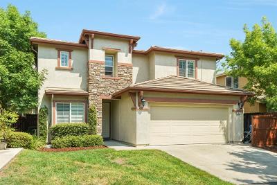 Single Family Home For Sale: 3402 Kensington Court
