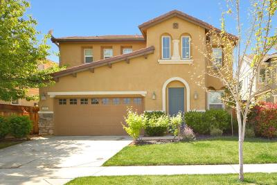 Roseville Single Family Home For Sale: 2404 Kinsella Way