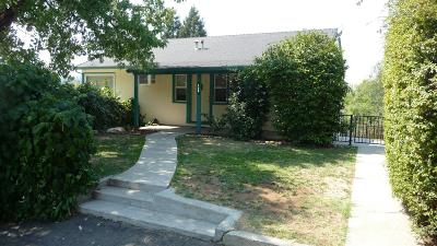 Auburn Single Family Home For Sale: 130 Redwood Way
