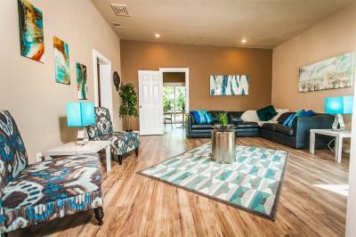 Lodi Single Family Home For Sale: 323 East Vine