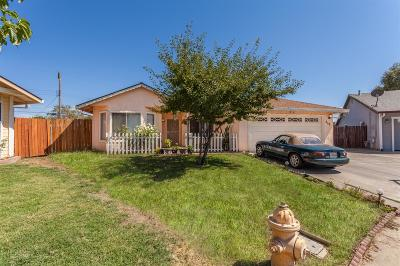Rio Linda Single Family Home For Sale: 818 Sun Ray Court