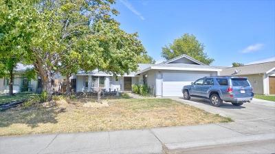 Roseville Single Family Home For Sale: 1416 Hickory Street