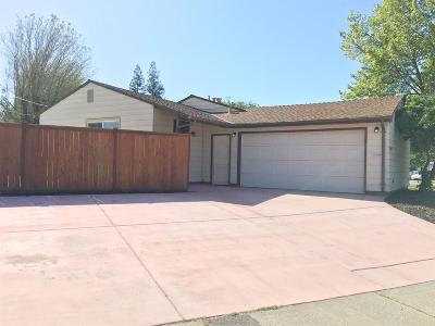 Rancho Cordova Single Family Home For Sale: 10522 Georgetown Drive