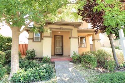 Sacramento County Multi Family Home For Sale: 910 Greg Thatch Circle