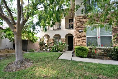 Sacramento Single Family Home For Sale: 1821 William Bird Avenue