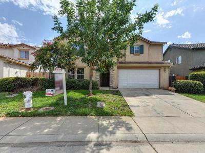 Rancho Cordova Single Family Home For Sale: 10977 Woolwich Way