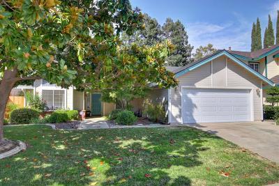 Elk Grove CA Single Family Home For Sale: $375,000