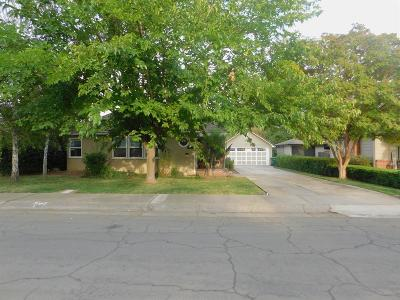 Lodi Single Family Home For Sale: 1020 South Pleasant Avenue