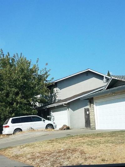 Sacramento Single Family Home For Sale: 6807 Bowling Drive