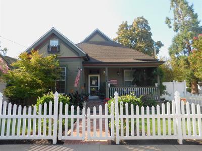 Lodi Single Family Home For Sale: 216 Forrest Avenue