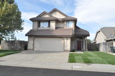 Elk Grove Single Family Home For Sale: 5719 Elk Spring Way