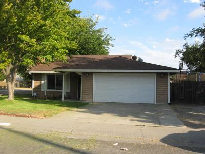 Sacramento Single Family Home For Sale: 6711 Speckle Way