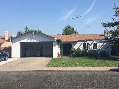 Sacramento Single Family Home For Sale: 8523 Elaine Dr.