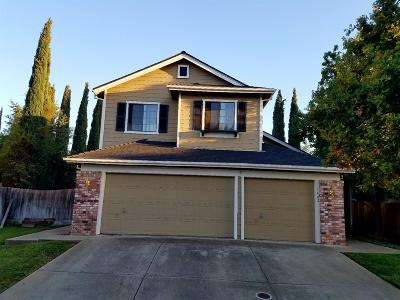 Elk Grove CA Single Family Home For Sale: $395,000