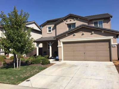 Sacramento CA Single Family Home For Sale: $387,000
