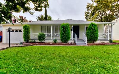 Sacramento Single Family Home For Sale: 2561 Maryal Drive