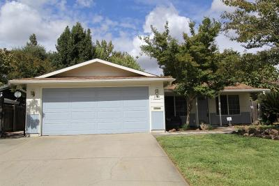 Sacramento CA Single Family Home For Sale: $309,900