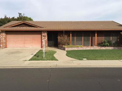 Manteca Single Family Home For Sale: 1066 Locust Avenue
