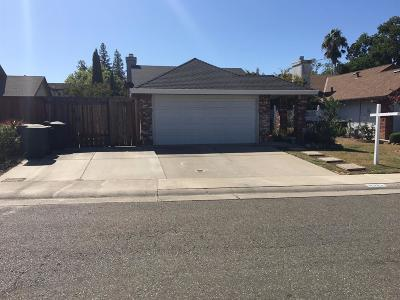 Sacramento CA Single Family Home For Sale: $340,000