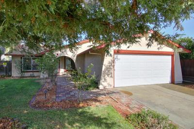 Citrus Heights Single Family Home For Sale: 7439 Parkvale Way