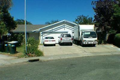 Sacramento Multi Family Home For Sale: 4916 Indian Oaks Court #4918