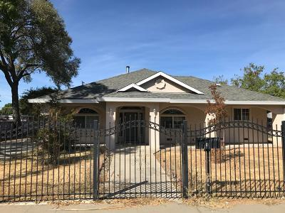 Sacramento Single Family Home For Sale: 2725 52nd Ave