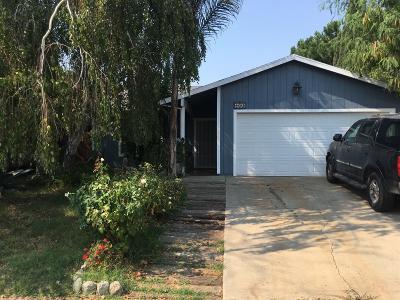 Single Family Home For Sale: 433 J Street
