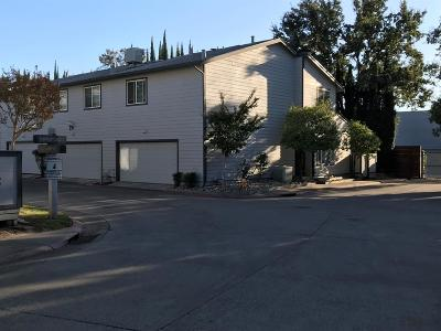 Citrus Heights Condo For Sale: 6200 Oak Valley
