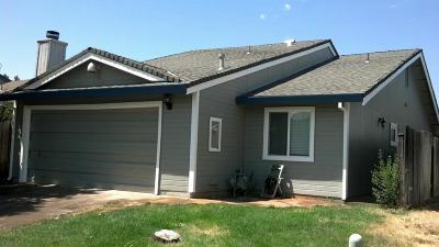 Rancho Cordova Single Family Home For Sale: 10485 El Mercado Drive