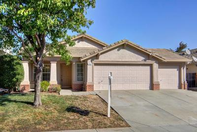 Single Family Home For Sale: 7845 Calzada Way