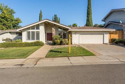 Fair Oaks Single Family Home For Sale: 8833 Bold Ruler Way