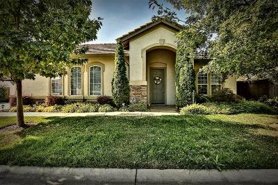 Sacramento Single Family Home For Sale: 3716 Clubside Lane