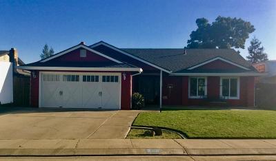 Escalon Single Family Home For Sale: 2301 Autumn Lane