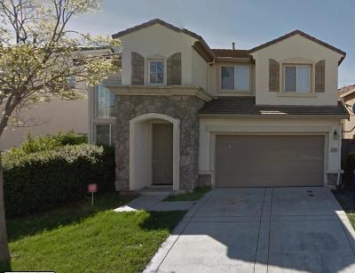 Sacramento CA Single Family Home For Sale: $369,000