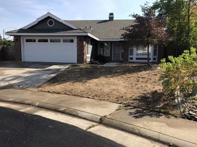 Roseville Single Family Home For Sale: 1412 Deerfield Circle