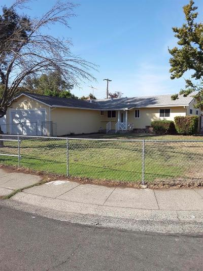 Sacramento Single Family Home For Sale: 2265 Arliss Way