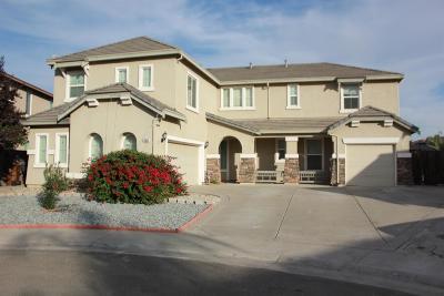 Elk Grove CA Single Family Home For Sale: $675,000