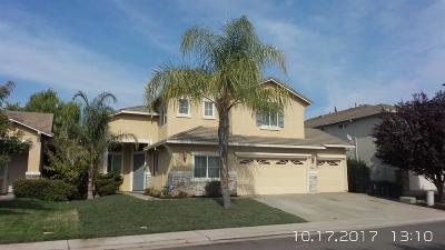 Sacramento CA Single Family Home For Sale: $440,000