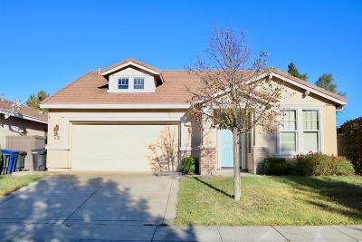 Sacramento Single Family Home For Sale: 5772 Beadnell Way