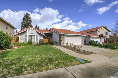 Single Family Home For Sale: 3207 Doroteo Way