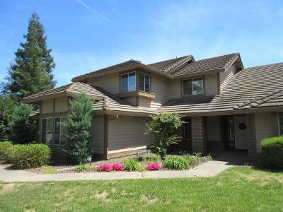 Sacramento Single Family Home For Sale: 8167 Ardenness Drive