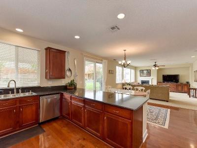 Single Family Home For Sale: 5807 Lenga Way