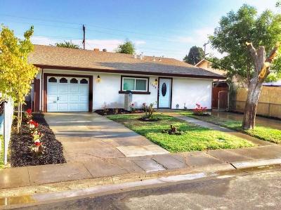 West Sacramento Single Family Home For Sale: 1048 Cummins Way