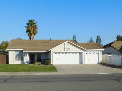Galt CA Single Family Home For Sale: $349,900