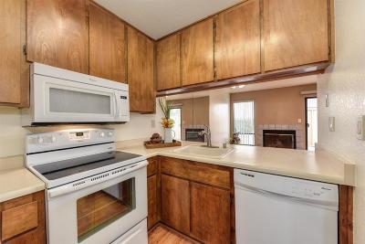 Orangevale Condo For Sale: 5617 Walnut Avenue